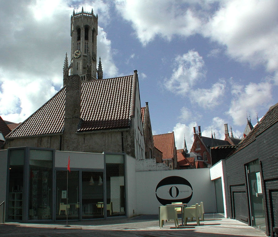 ArtoNivo art gallery in Brugge, Belgium